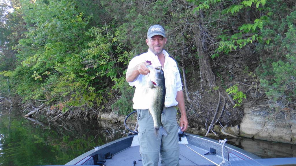 Eastern kentucky fishing report kentuckyangling news for Cedar creek fishing report