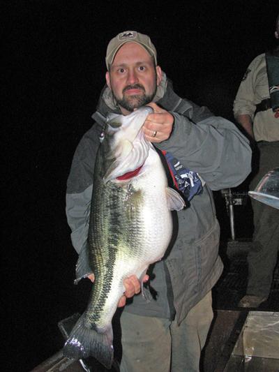 Smaller lakes hold big largemouth bass kentuckyangling for Ky and barkley lake fishing report