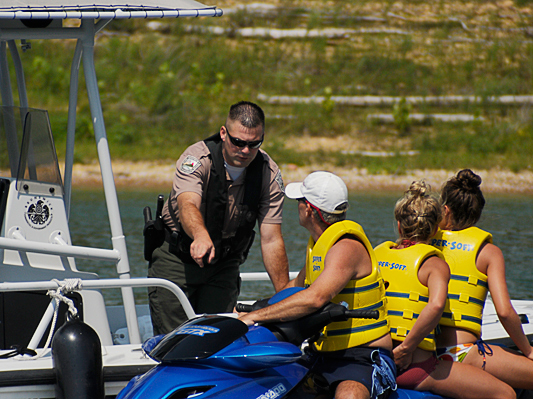 Make safe boating part of your July 4 holiday weekend plans